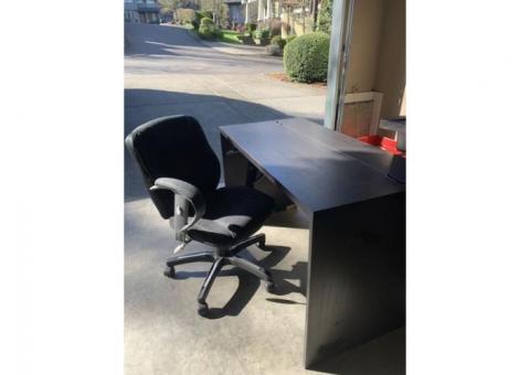 Free Ikea Desk w/ a Chair