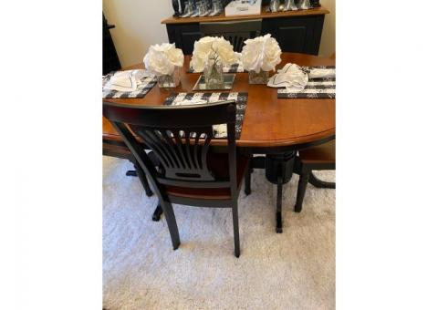 7 piece Dining Room Table and Chair Set